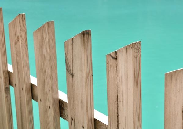 Des normes de sécurité pour ma piscine en bois