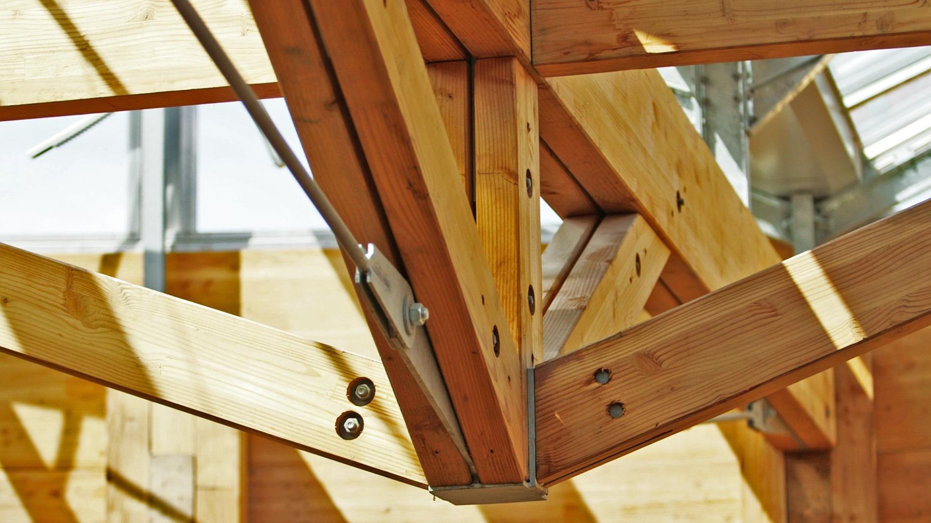 Construction bois : Ancrage et assemblage