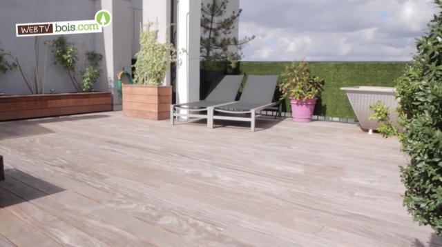 [Vidéo] Une terrasses bois en hauteur pour cet appartement !