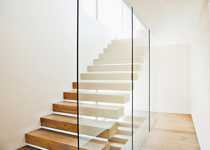 Escalier bois style contemporain