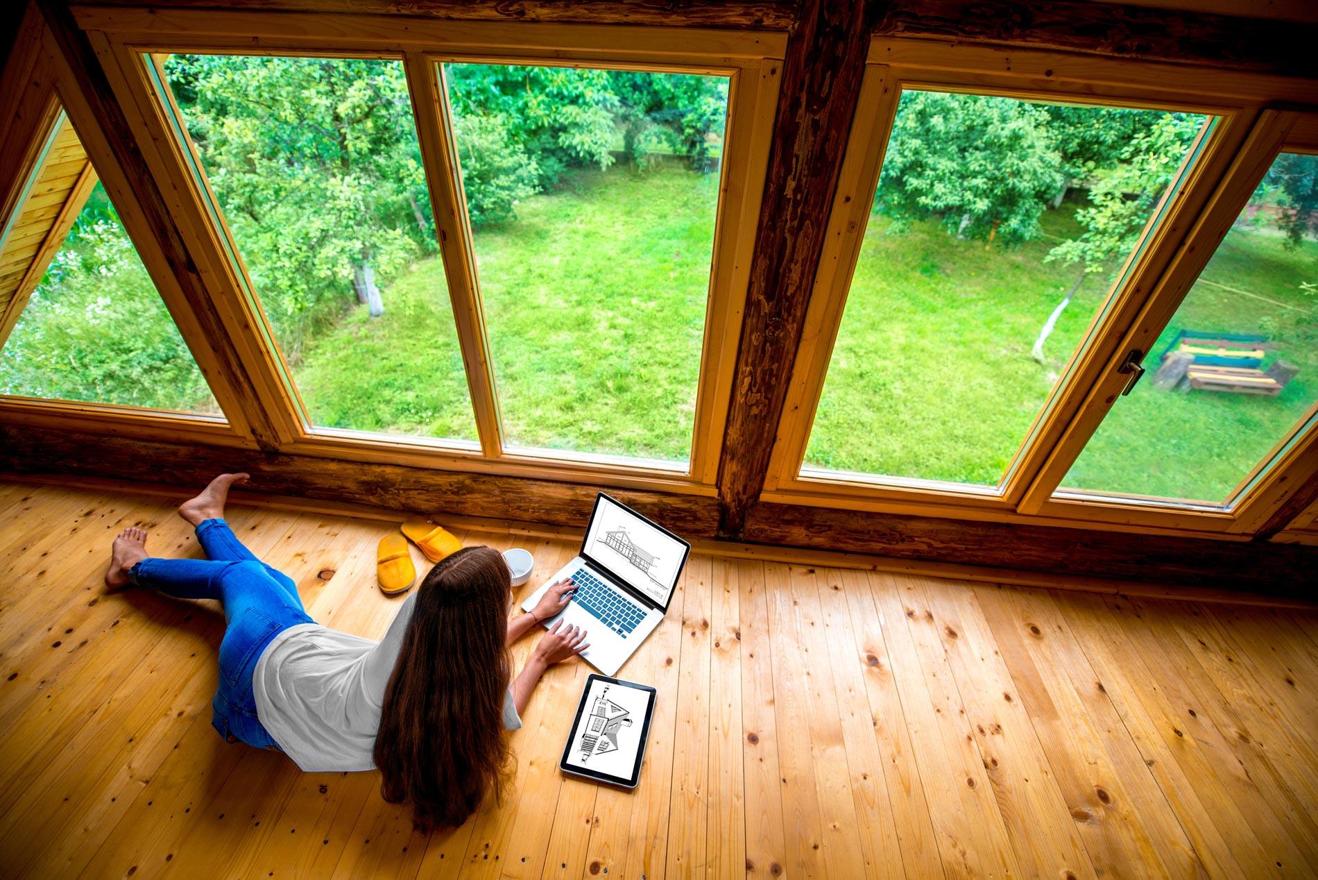 Ponçage d'une fenêtre bois