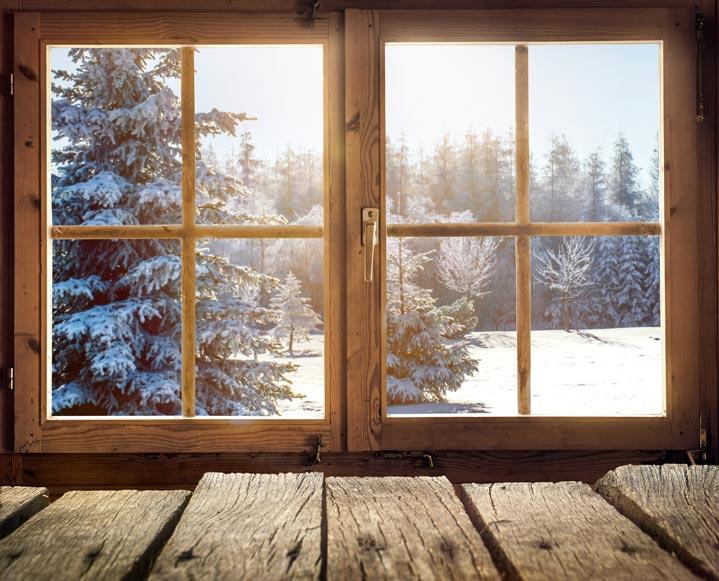 Exemple de fenêtres bois dans un chalet